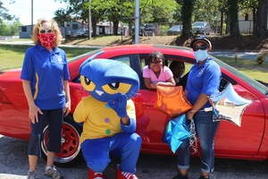Pete the Cat Surprises Mariam Boyd Pre-K Students with New Reading Material